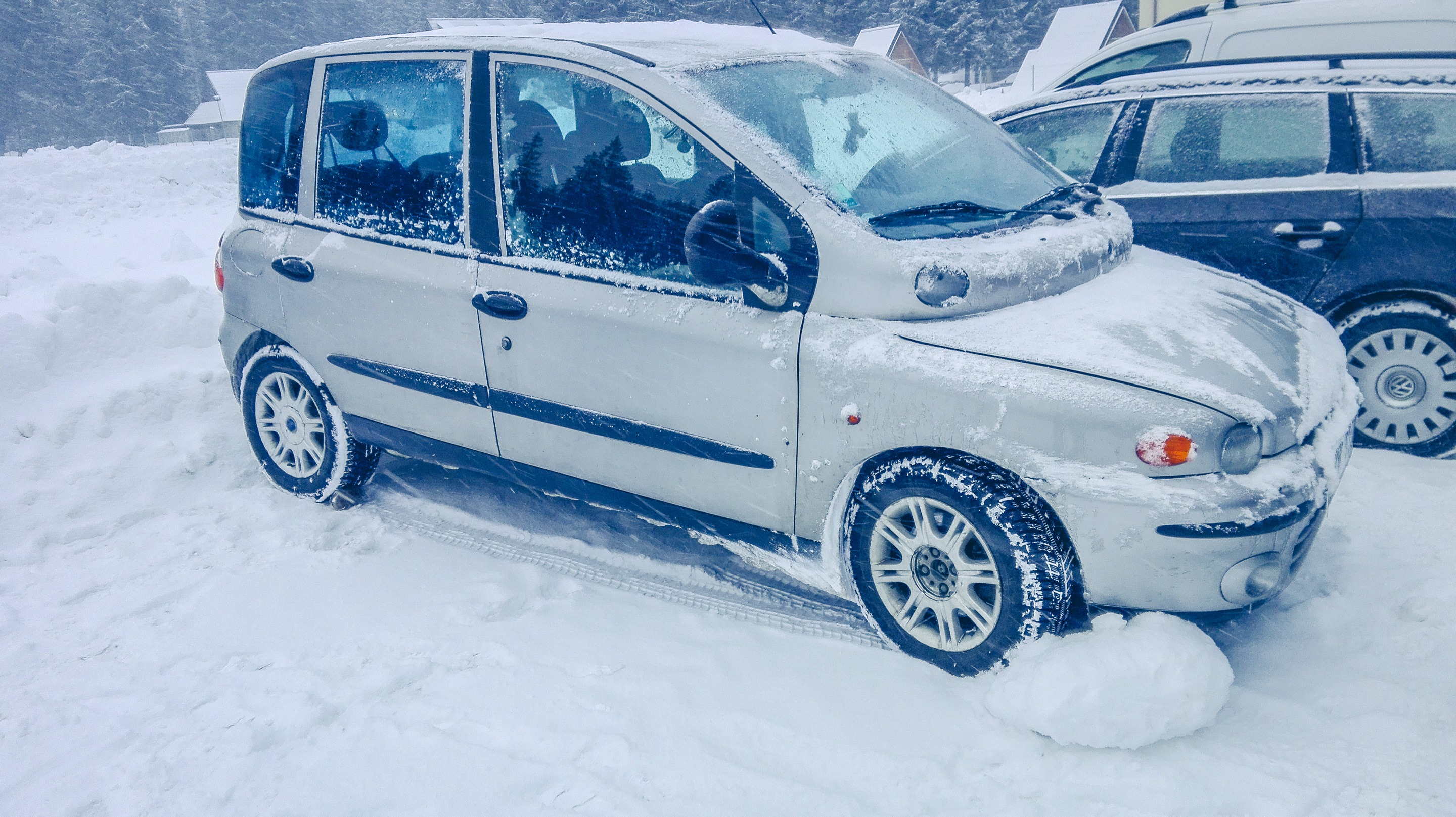 Our car before going for a winter hike to Morskie Oko, Poland. Photo by Alis Monte [CC BY-SA 4.0], via Connecting the Dots