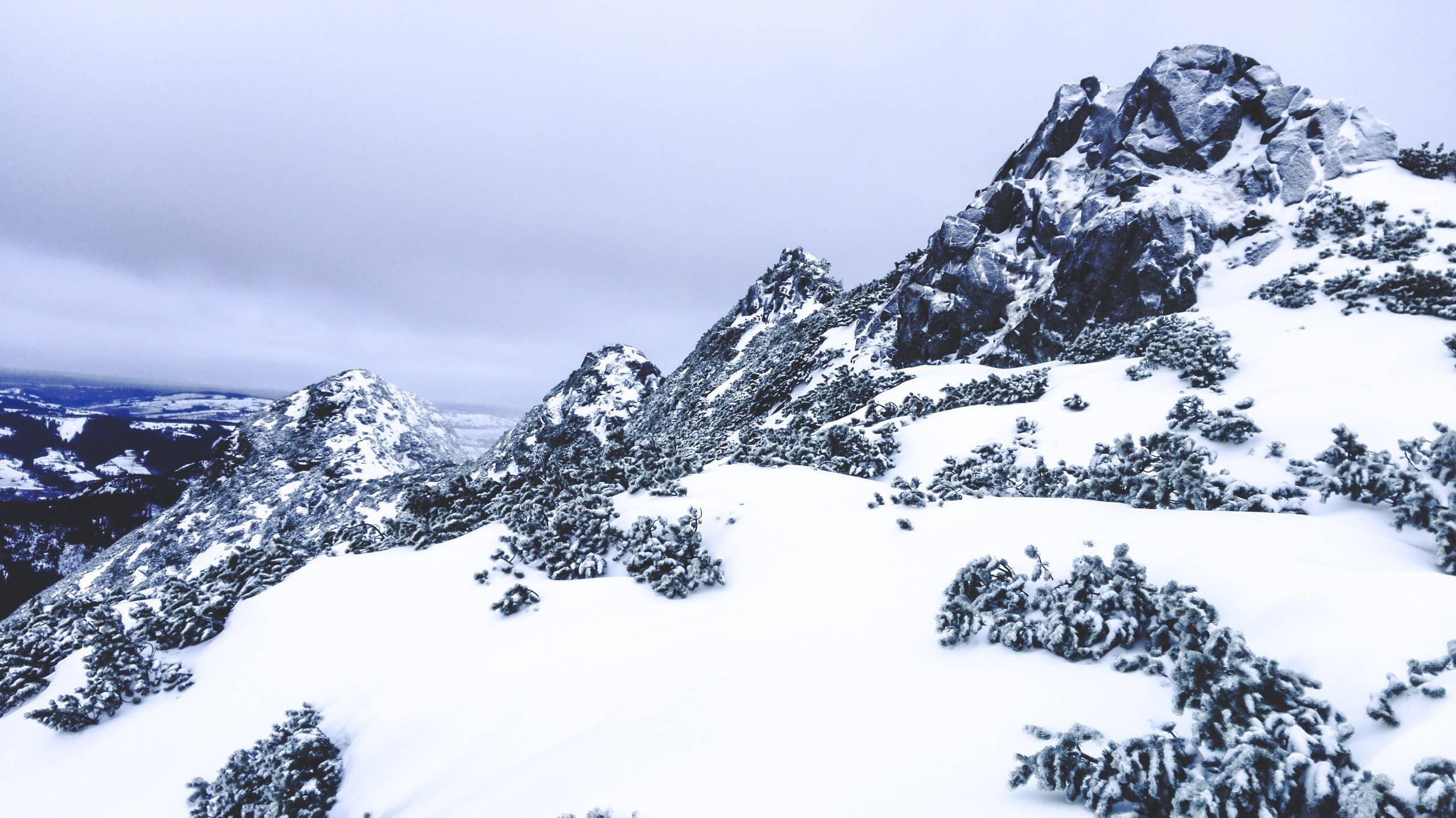 Sucha Czuba is one of the many High Tatra hills. Photo by Alis Monte [CC BY-SA 4.0], via Connecting the Dots