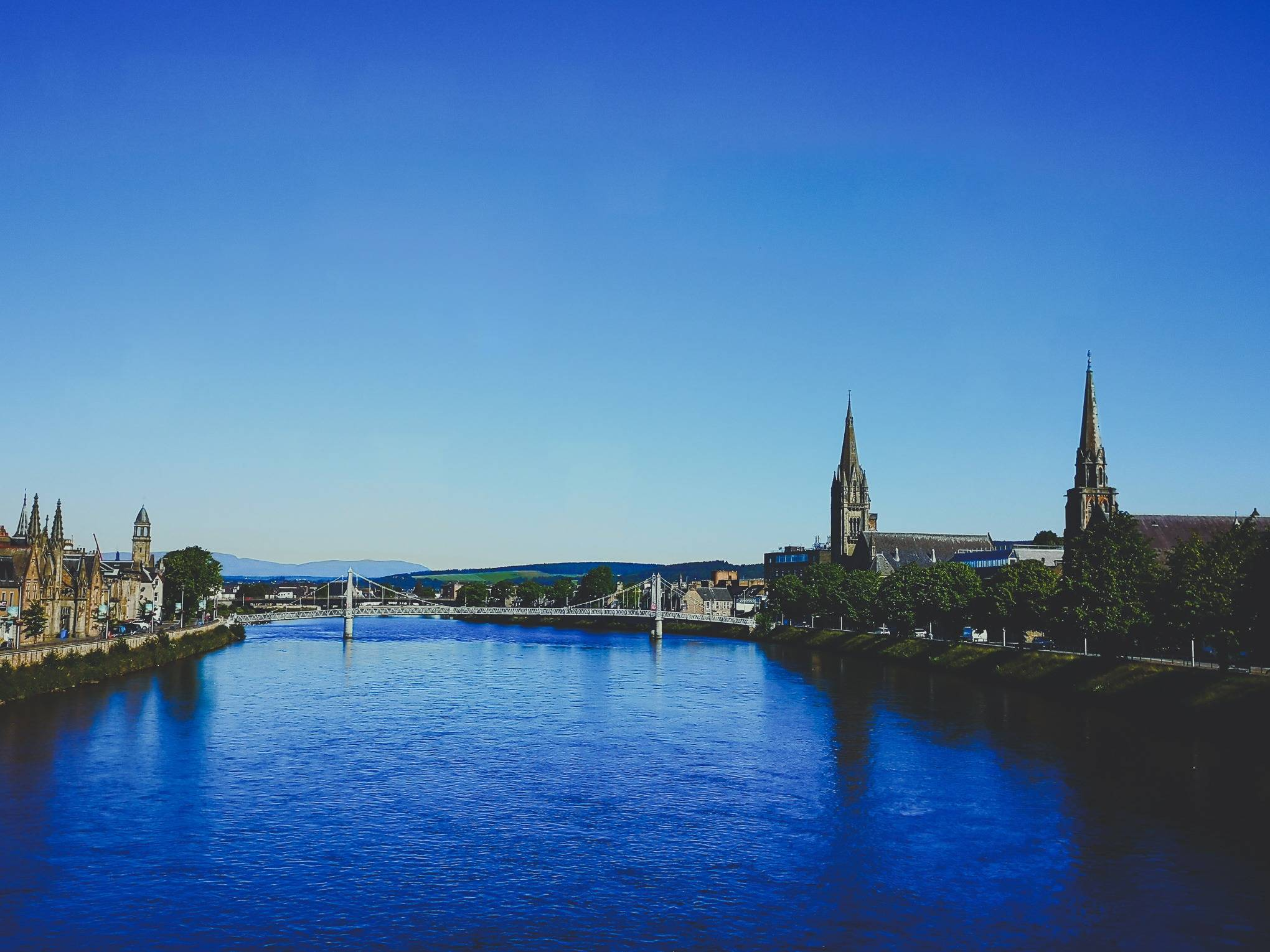 Greig Street Bridge in Inverness during a nice summer day, Scotland. Photo by Alis Monte [CC BY-SA 4.0], via Connecting the Dots