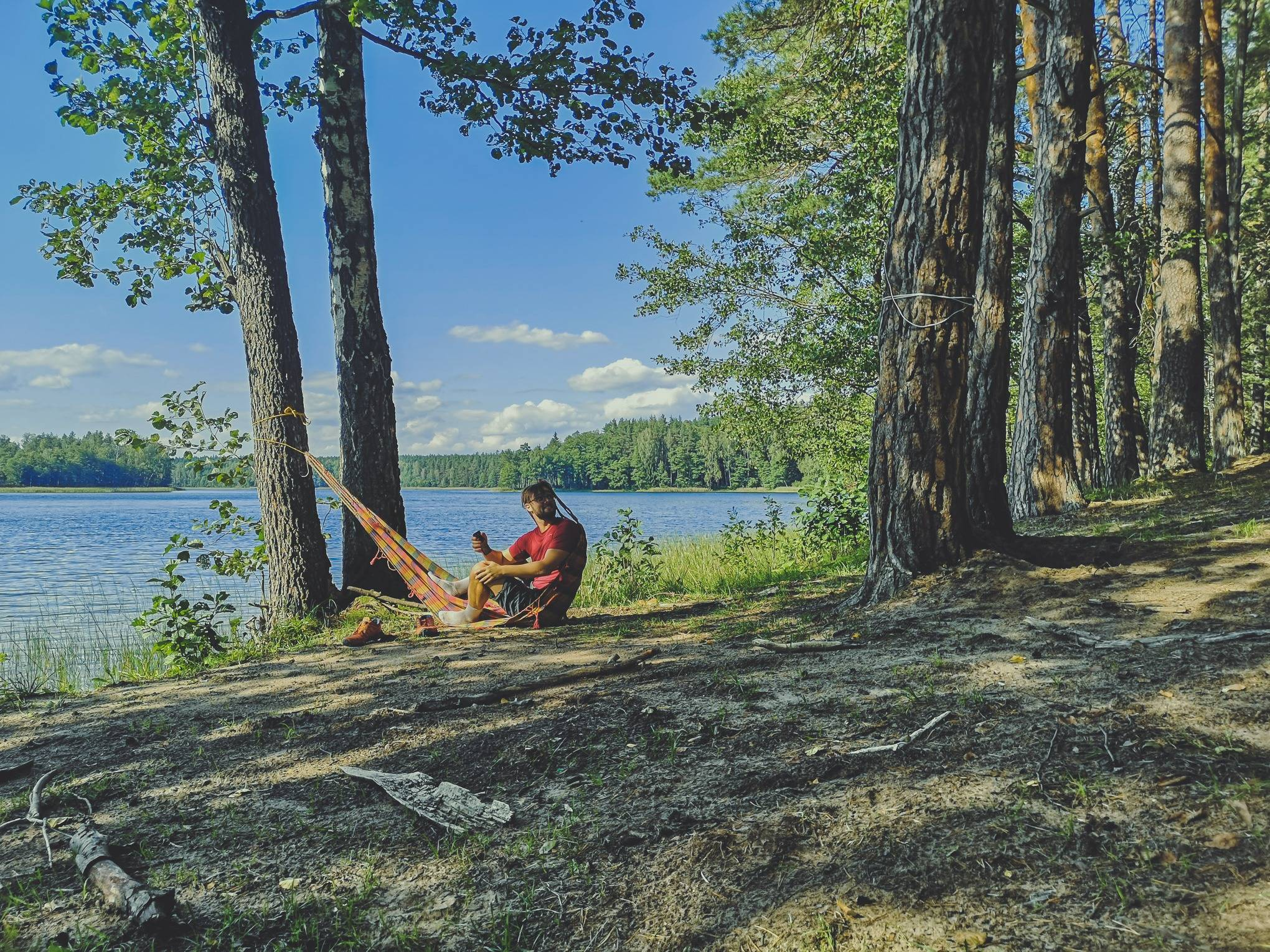 Setting up a camp near Black Lakajai lake in Labanoras Regional Park, Lithuania. Photo Alis Monte [CC BY-SA 4.0], via Connecting the Dots