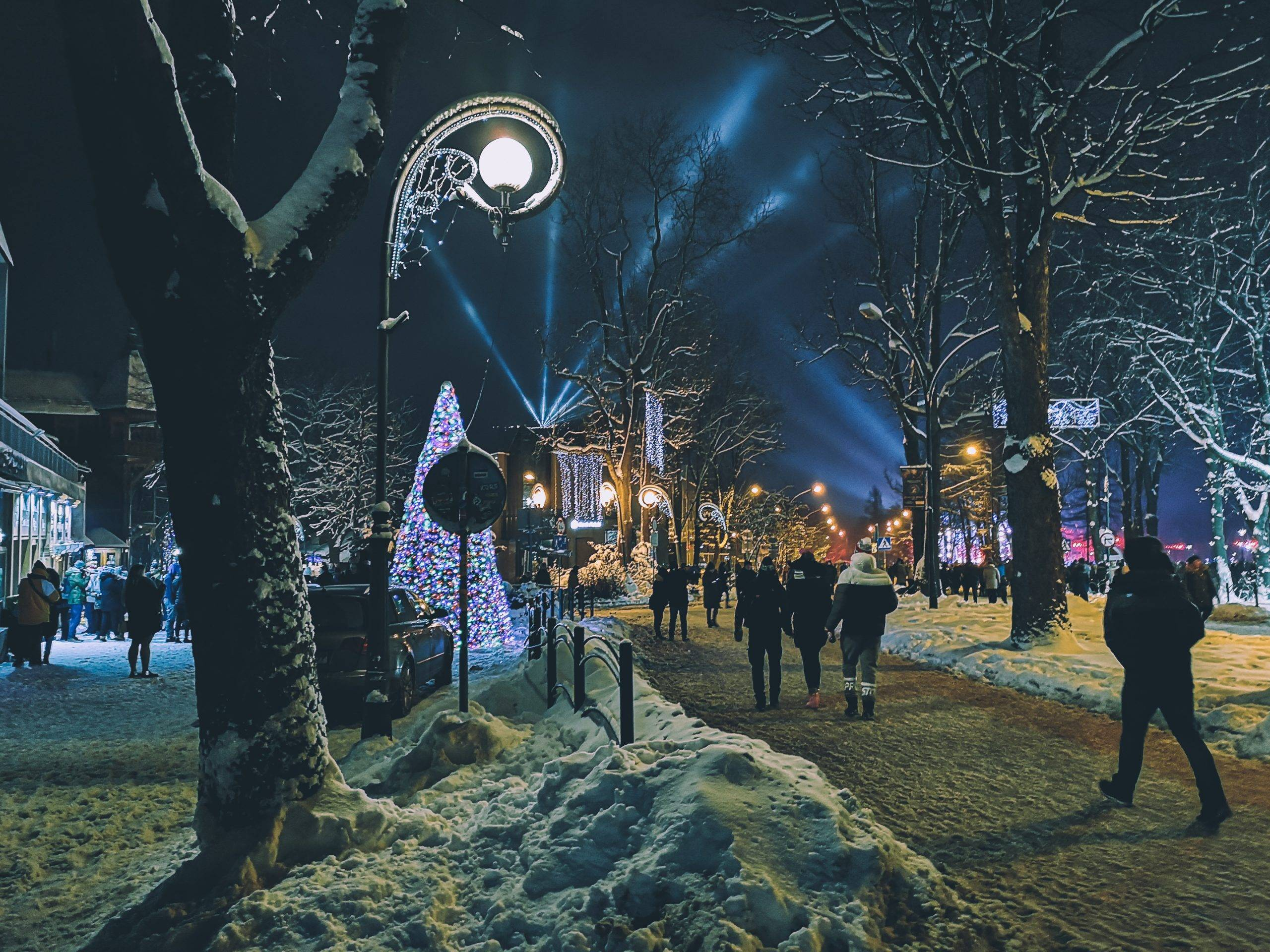 New Year's Eve in Zakopane. Photo by Alis Monte [CC BY-SA 4.0], via Connecting the Dots