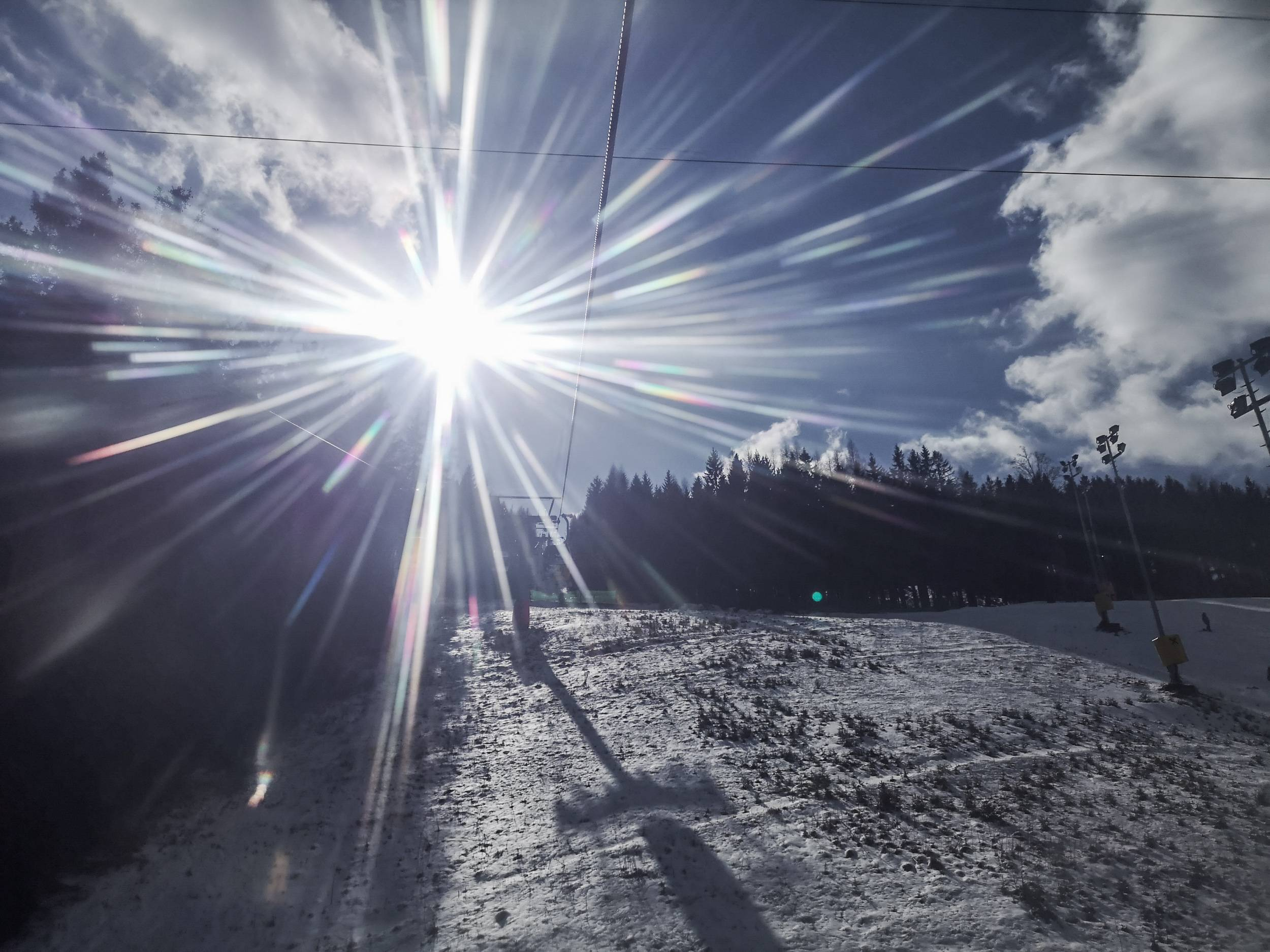 Be sure to take your sun glasses as the sun combined with snow can blind you. Photo by Alis Monte [CC BY-SA 4.0], via Connecting the Dots