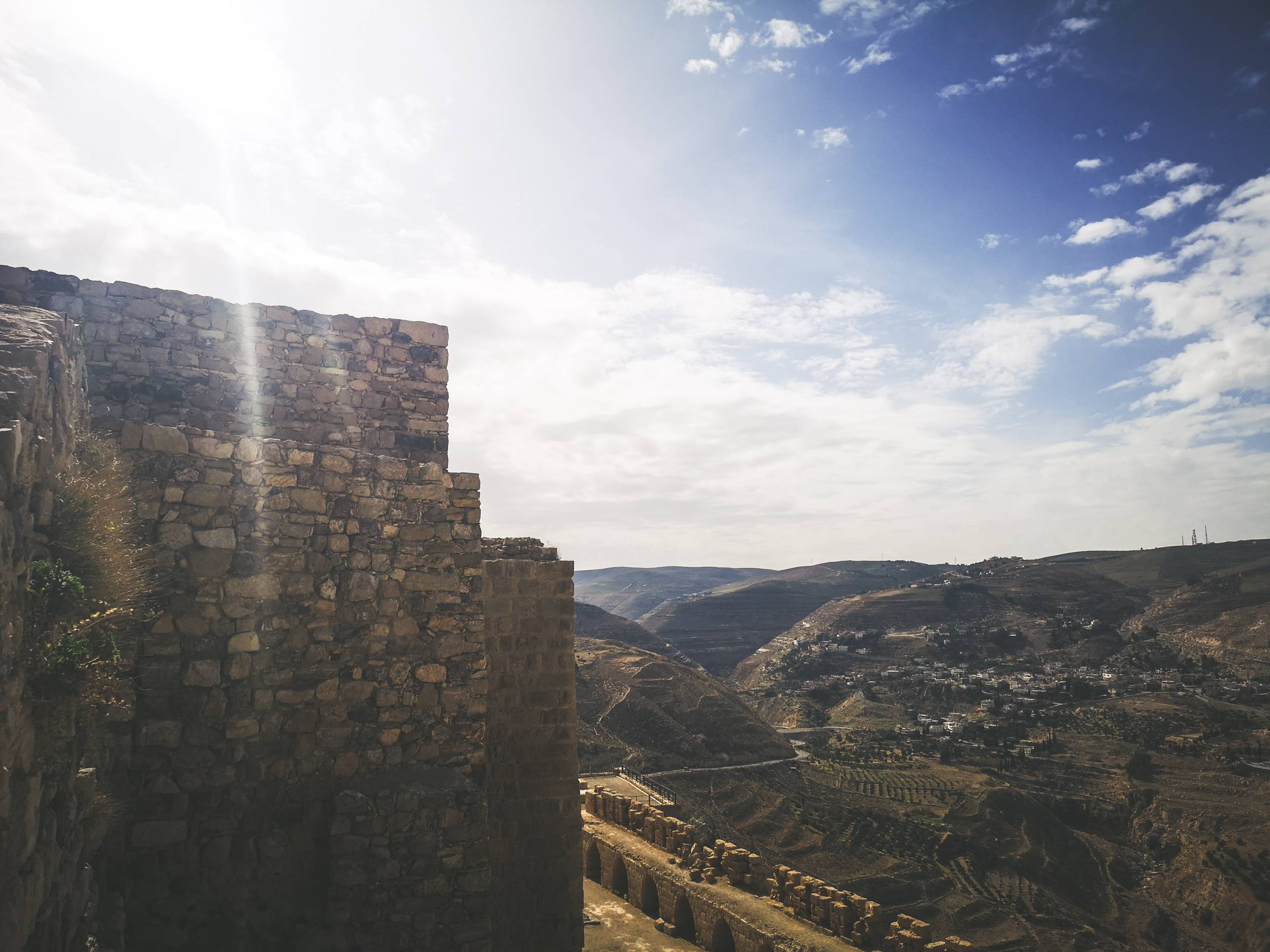 Even if you don't have time to visit the Castle, driving by might be very rewarding as the best views of it could be taken only from afar. Photo by Alis Monte [CC BY-SA 4.0], via Connecting the Dots